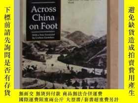 二手書博民逛書店《罕見Across China on Foot 》Edwin J