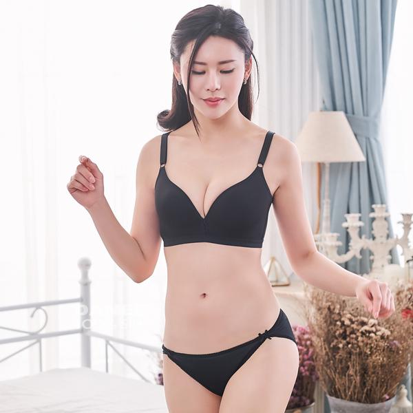 【岱妮蠶絲】素色低腰開衩三角蠶絲內褲(黑)