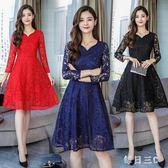 大尺碼洋裝秋裝新款大碼女裝減齡顯瘦時尚氣質鏤空蕾絲連身裙 zm10653【每日三C】