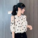 VK精品服飾 韓國風名媛愛心印花波點雪紡衫露肩短袖上衣