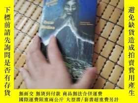 二手書博民逛書店THE罕見ENIGMA OF MACHUPICCHU,英文原版Y