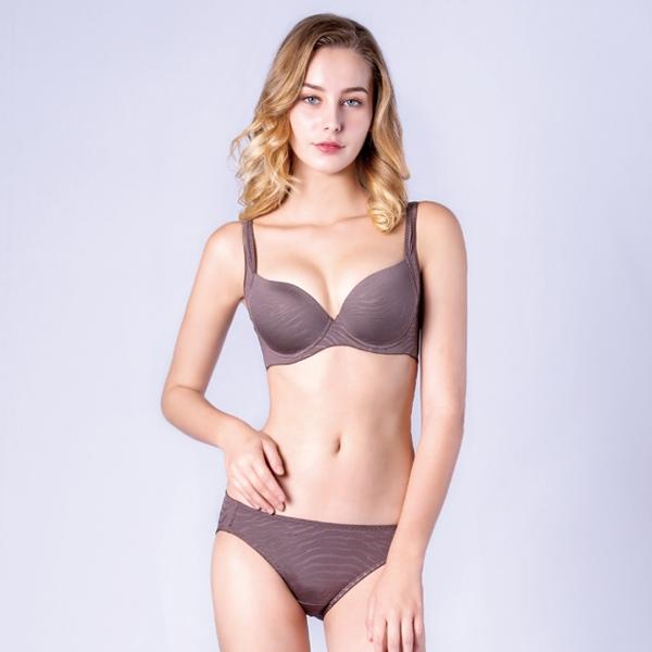 思薇爾-豹紋系列M-XL低腰三角內褲(卵石褐)
