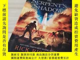 二手書博民逛書店The罕見Serpent s ShadowY312914 如圖 如圖