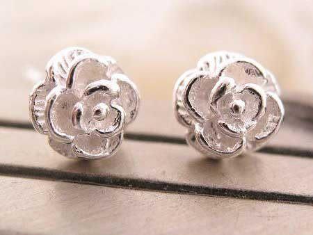 ☆§海洋盒子§☆ 雪白立體薔薇花朵925純銀耳環《925純銀》銀飾