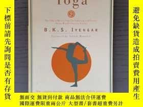 二手書博民逛書店Light罕見On YogaY377063 B.K.S. Iye