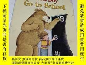 二手書博民逛書店david罕見mcphail a bug a bear and a boy go to schoolY9212