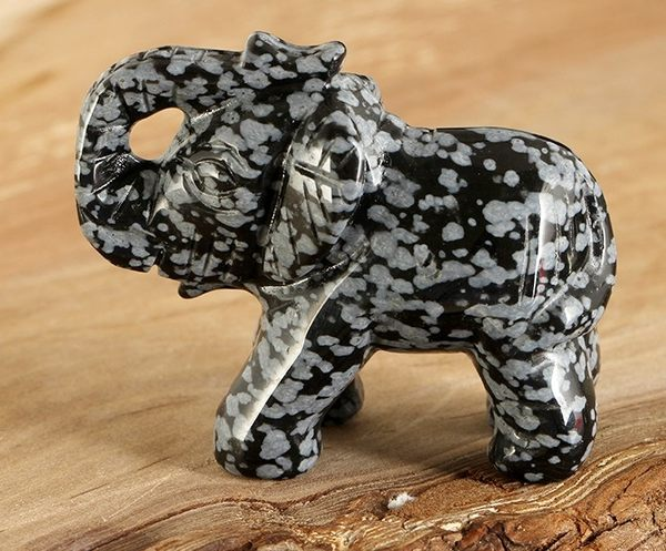 [協貿國際]天然雪花黑曜石大象雕刻擺飾單個價
