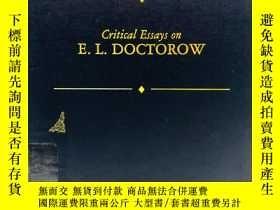 二手書博民逛書店Critical罕見Essays on E. L. Doctor