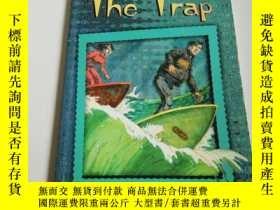 二手書博民逛書店the罕見trap(英文)Y212829