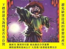 二手書博民逛書店The罕見Scarecrow Walks At MidnightY256260 R.l. Stine Scho
