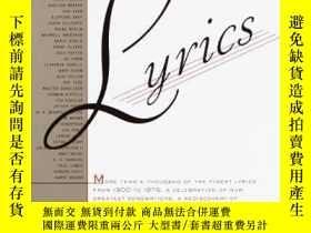 二手書博民逛書店Reading罕見Lyrics : More Than a Thousand of the Century s F