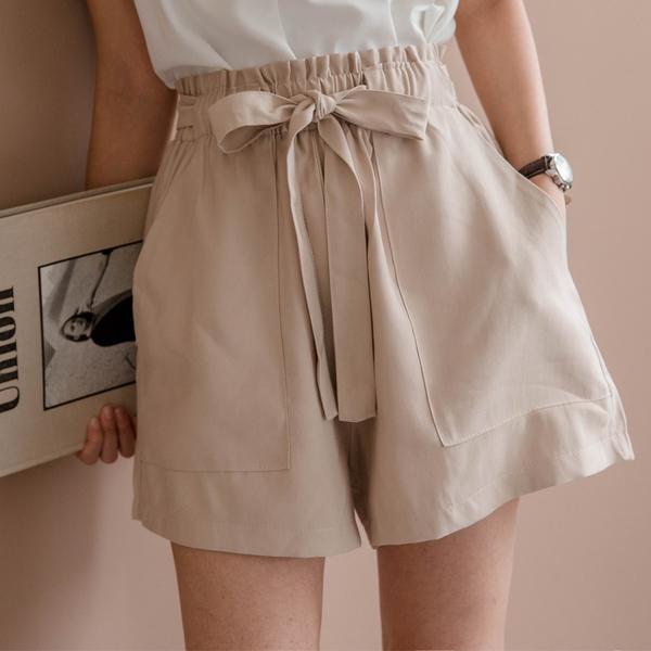 MIUSTAR 大腿顯瘦!花苞鬆緊腰大口袋軟質斜紋布短褲(共2色)【NH0956】預購