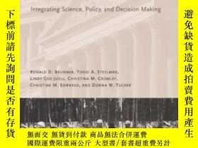 二手書博民逛書店Adaptive罕見Governance: Integrating Science Policy And Deci