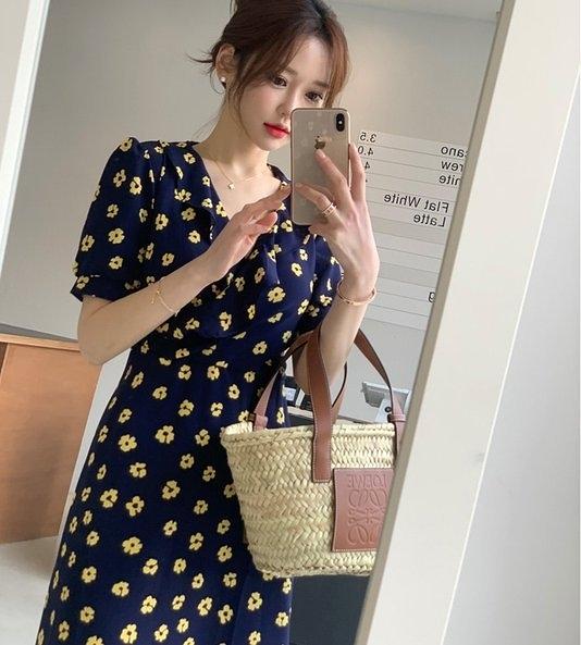 裙子 洋裝連身裙S-XL韓東大門V領韓國優雅荷葉邊碎花收腰綁帶顯瘦連衣裙T212A1.6661依品國際