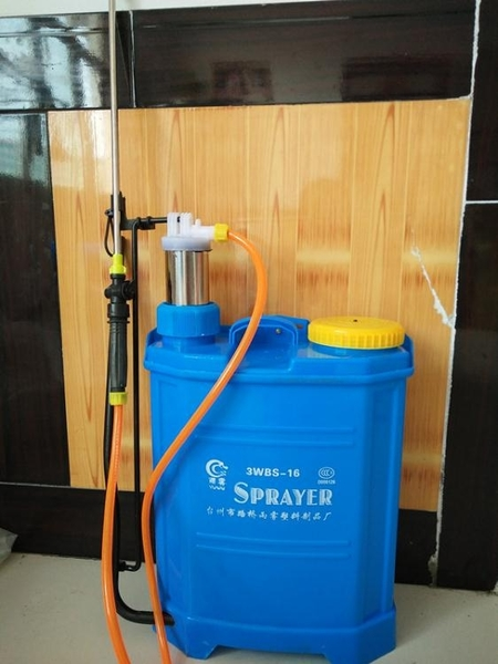 新款 消毒手動噴霧器 農用背式噴霧器16L 消毒手壓式噴霧器加厚桶ATF 極客玩家