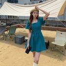 洋裝方領露背泡泡袖連身裙S-XL復古高腰顯瘦露背系帶方領泡泡袖連身裙女5833 1F-A126-D 韓依紡