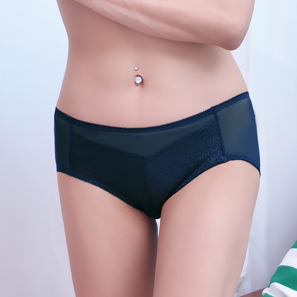 配褲→→→Amorous 私密內衣「蔓藤繁花」輕量舒適軟鋼圈內衣