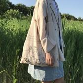 單肩包 字母薄款單肩棉麻包購物袋環保袋帆布包【時尚大衣櫥】