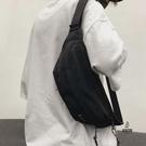 單肩包休閒男生腰包斜跨小包女側背包胸包男運動【愛物及屋】