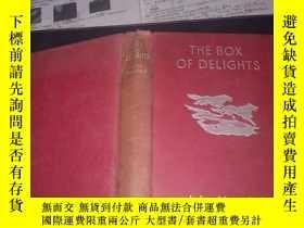 二手書博民逛書店英文原版書:THE罕見BOX OF DELIGHTS(32開硬精