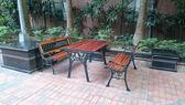 BROTHER 兄弟牌花網雙人鑄鐵公園椅二張(附椅背)+鑄鐵公園桌