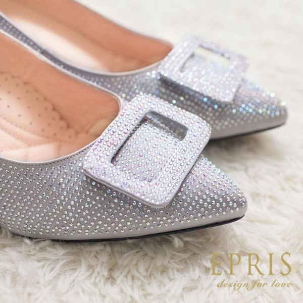 現貨 MIT小中大尺碼尖頭低跟鞋推薦 光芒女神 水鑽緞面皮鞋墊舒適  20.5-25.5 EPRIS艾佩絲-星鑽銀