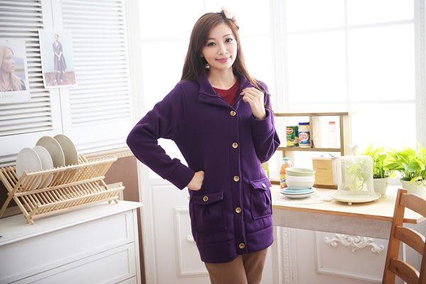 *孕味十足。孕婦裝* 【CFQ8735】台灣製。素面百搭排釦連帽孕婦外套 4色