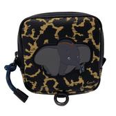 【COACH】迪士尼聯名款小飛象AirPods mini腰包(小飛象/豹紋)