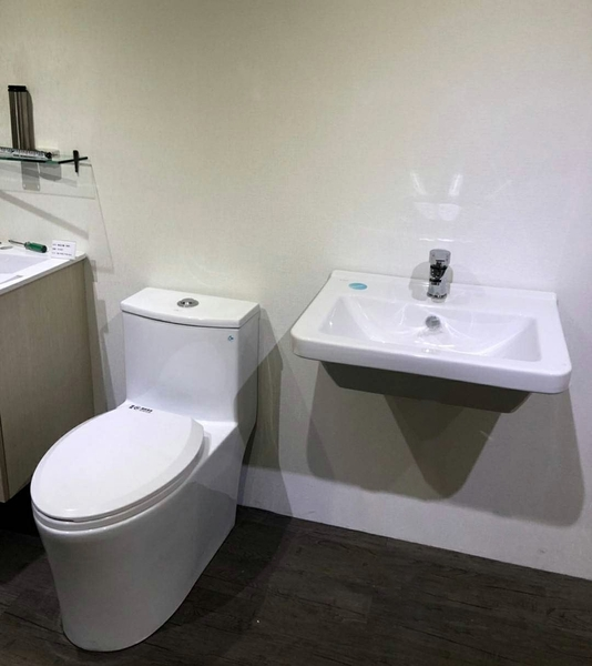 [超值衛浴] 歐洲進口品牌 VitrA面盆(寬60)+單體馬桶+臉盆水龍頭+淋浴龍頭+置衣架+除霧鏡