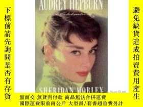 二手書博民逛書店Audrey罕見Hepburn: A Celebration 奧