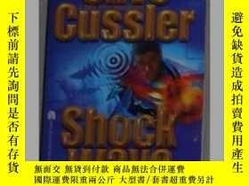 二手書博民逛書店英文原版罕見Shock Wave by Clive Cussle