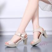 涼鞋 女夏新款女鞋魚嘴高跟鞋厚底粗跟防水臺中跟媽媽鞋大尺碼42