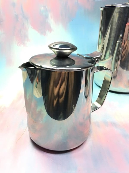 【付蓋拉花杯1500ML BA339】NO135咖啡用品咖啡器具【八八八】e網購