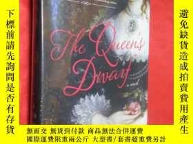 二手書博民逛書店The罕見Queen s Dwarf (硬精裝)【詳見圖】Y54