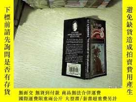 二手書博民逛書店THE罕見HOUND OF THE BASKERVILLES 巴斯克維爾獵犬Y203004
