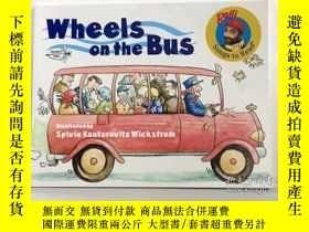 二手書博民逛書店英文原版罕見Wheels on the Bus 車輪滾滾 經典童
