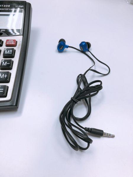 入耳式耳機 手機電腦音樂有線耳塞藍黑色耳機 運動耳機