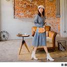 腰抽繩綁帶讓寬鬆版型的洋裝耶可勾勒出曲線 拋袖的設計使整體帶出女孩俏麗氣息