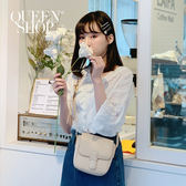 Queen Shop【01120200  】V領小花縷空七分棉麻上衣售*現+預*