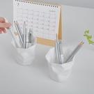 純白色創意藝術個性筆筒