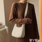 腋下包 夏季網紅小包包質感復古小眾設計斜背潮腋下包女側背pu軟皮餃子包 愛丫 免運