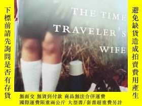 二手書博民逛書店THE罕見TIME TRAVELER S WIFE【英文原版大3