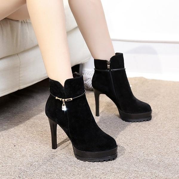 2020新款靴子女短靴 馬丁靴高跟百搭防水 台圓頭細跟加絨女裸靴歐美 店慶降價