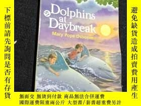 二手書博民逛書店DOLPHINS罕見AT DAYBREAK.Y12498 Mar