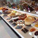 1.著重健康概念的菜單設計2.開放式廚房及時尚的簡潔設計3.餐券已內含10%服務費