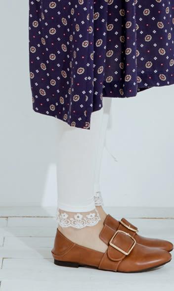 內搭褲    褲管蕾絲軟牛奶絲棉質內搭褲    三色-CALLING