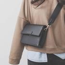 時尚小包包女新款潮百搭簡約寬肩帶側背包