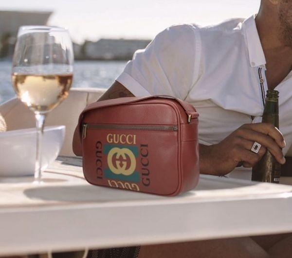■現貨在台■專櫃71折 ■全新真品Gucci 523589 Logo 圖紋印刷信使郵差斜背包 紅色