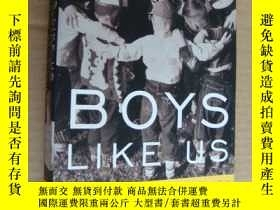 二手書博民逛書店Boys罕見Like Us: Gay Writers Tell