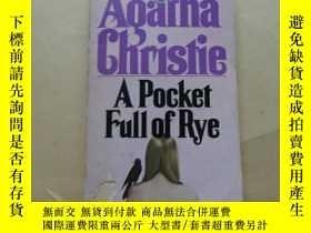 二手書博民逛書店A罕見Pocket Full of Rye by Agatha Christie (1955, Paperback